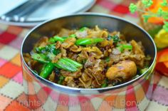 THIS IS THE ONE!!!! Favorite Thai dish. Pad See Ew by The High Heel Gourmet