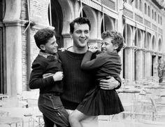 Le più belle foto del cinema a Venezia -Rock Hudson a Venezia nel 1954 (Lapresse)