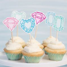 Make these gorgeous cupcake toppers with only markers and water!
