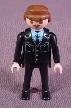 2737590 playmobil | Playmobil Adult Male Police  2€