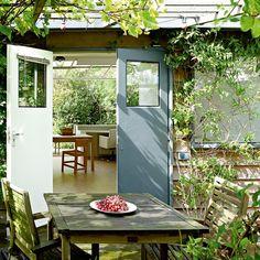 Une maison-jardin sans frontière entre l'intérieur et l'extérieur