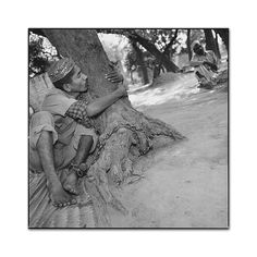 The Man Who Loved His Tree, Uttar Pradesh, India, photo by Mary Ellen Mark- Exposure Mary Ellen Mark, Documentary Photography, Love Him, The Man, Documentaries, Photographers, Art Photography, India, Black And White