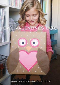 Owl Valentine Card Box Idea for Kids! See more DIY Valentine Box Ideas on . Unique Valentine Box Ideas, Homemade Valentine Boxes, Valentine Boxes For School, Kinder Valentines, Valentine Day Crafts, Minion Valentine, Printable Valentine, Saint Valentine, Valentine Wreath
