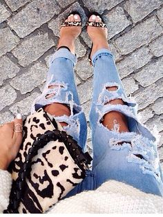#style #rippedjeans