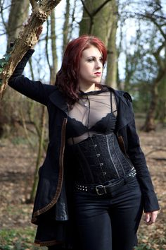 When You Want Gothic Jewelry, We Have The Tips You Need. Photo by shinycatcreations There is a lot more to owning gothic jewelry than being flashy and spending extravagant amounts of money. Hot Goth Girls, Gothic Girls, Goth Beauty, Dark Beauty, Gothic Outfits, Gothic Dress, Dark Fashion, Gothic Fashion, Steam Girl