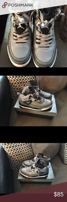 Jordan Spizike Cool gray Size 9.5 8/10 condition Slight yellowing on the soles has a small scratch on the mid sole only worn a hand full of times still look like new in person Air Jordan Shoes Sneakers