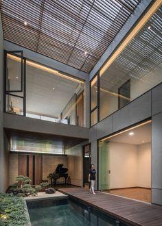 Modern Courtyard, Courtyard House, Architectural Elements, Prefab, Skylight, Luxury Interior, Modern Luxury, House Design, Studio