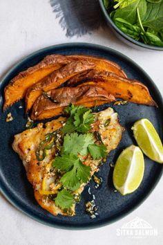 Rockfish Recipes, Halibut Recipes, Seafood Recipes, Tuna Steaks, Ginger Sauce, Toasted Sesame Seeds, Fried Fish, Roasted Potatoes