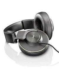 Grab amazing discount on AKG Acoustics K550 headphones at http://www.headyo.com/best-over-ear-headphones/akg-acoustics-k550-headphones/