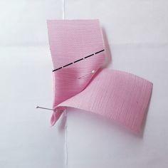 발레리나보우 : 네이버 블로그 Organza Flowers, How To Make Ribbon, Diy Hair Bows, Ribbon Crafts, Sewing Techniques, Diy Hairstyles, Hair Pins, Origami, Diy And Crafts