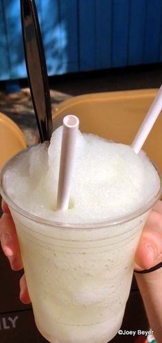 New Frozen Bacardi Raspberry Rum Lemonade in #Disney World!!! Yes pls.