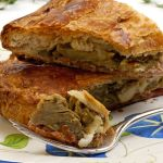 Torta-rustica-di-tarassaco-e-carciofi