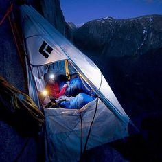 El Capitan in Yosemite National Park, California - USA. ⛺ l Sweet Dreams! #PageVibe @coreyrichproductions
