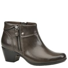 Clarks Women's Ingalls Thames Boot | Maryland Square!