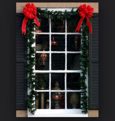 Christmas window with garland and ornaments Instead of Red Bows Candy Cane Bows To go with the Door Idea. Diy Christmas Garland, Christmas Window Decorations, Winter Christmas, Christmas Home, Christmas Lights, Christmas Windows, Christmas Trees, Holiday Fun, Holiday Decor