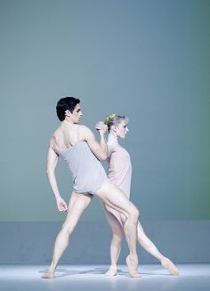 Bare feet cream dress. Sarah Lamb and Federico Bonelli in  Chroma, photo by Johan Persson