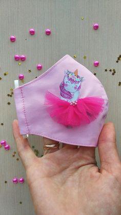 Easy Face Masks, Diy Face Mask, Stethoscope Cover, Unicorn Face, Pocket Pattern, Homemade Face Masks, Hand Embroidery Designs, Diy Mask, Flower Tutorial