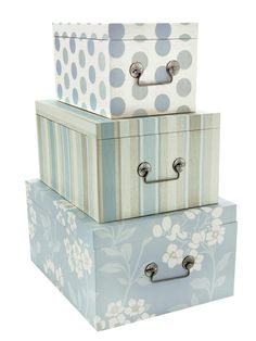 cajas Sewing Room Design, Painted Wooden Boxes, Diy Storage Boxes, Cute Box, Cardboard Art, Craft Bags, Frame Crafts, Diy Box, Covered Boxes