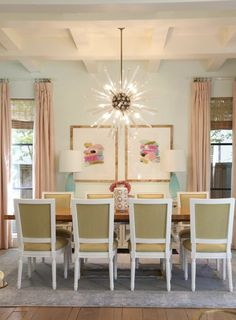 Bungalow Decor, Interior Styling, Interior Design, Beautiful Dining Rooms, Pretty Room, Cool Rugs, Traditional Design, Room Inspiration, Sweet Home