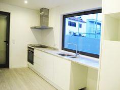 Moradia Felgueiras - StatusRecord - Mediação Imobiliária, Lda. Portuguese Modern Kitchen Design http://casas.portugalrealestatehomes.com/imovel-Venda-Moradia-T3-Porto-4600706
