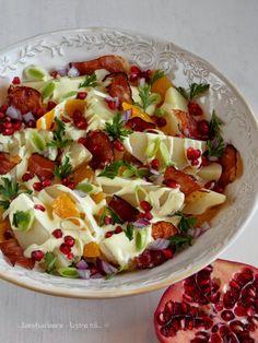 ...konyhán innen - kerten túl...: Narancsos-gránátalmás burgonyasaláta Pasta Salad, Cobb Salad, Ethnic Recipes, Food, Turmeric, Crab Pasta Salad, Meals, Noodle Salads, Yemek