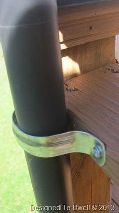 Designed To Dwell: DIY Deck Mounted Umbrellas - Herzlich willkommen Ideas Terraza, Diy Balkon, Outdoor Deck Decorating, Outdoor Decorations, Deck Shade, Backyard Shade, Outdoor Shade, Big Backyard, Laying Decking