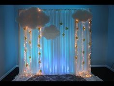 56 new ideas for baby girl shower themes twinkle twinkle star party Cloud Baby Shower Theme, Baby Shower Backdrop, Baby Girl Shower Themes, Baby Shower Gifts For Boys, Star Baby Showers, Baby Boy Shower, Baby Boy Babyshower Themes, Baby Shower Decorations For Boys, Baby Shower Centerpieces