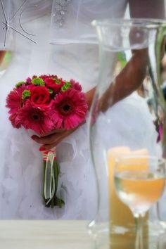 Bouquet Flávia por Katia Criscuolo  #casamento #wedding #bouquetdecasamento #weddingbouquet #beachwedding #inspirationwedding #flores #flowers