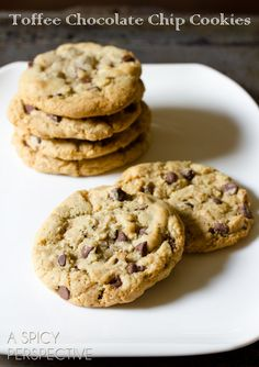 Toffee Chocolate Chip Cookies by ASpicyPerspective.com ~ Yum! #chocolatechip #cookies #recipe