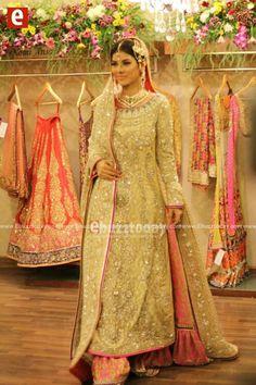 Pakistani Bride - Nomi Ansari Bollywood Style, Bollywood Fashion, Desi Wedding, Wedding Attire, Pakistani Outfits, Indian Outfits, Ethnic Fashion, Asian Fashion, Amazing Outfits