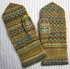 kathyiniowa's chrysanthemum mittens @Stephanie Green I thought of you when I saw these..