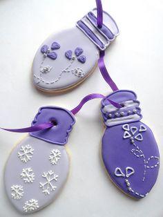 Christmas Lightbulb Cookies in Purple & Lilac Christmas Goodies, Christmas Treats, Christmas Baking, All Things Christmas, Christmas Decorations, Christmas Holidays, Family Holiday, Christmas Ornaments, Christmas Light Bulbs