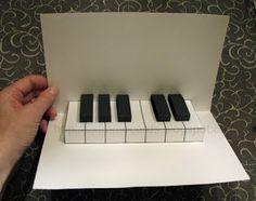 Fácil de piano pop-up con la tarjeta libre de la plantilla