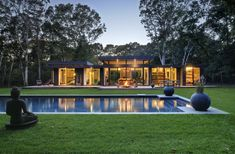 A contemporary weekend retreat Robins Way House, New York