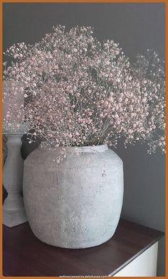 Flowerpot with flowers as decoration on the … – … – S… Blumentopf mit Blumen als Dekoration auf … – … – Sarah – Deco Floral, Arte Floral, Flower Vases, Flower Pots, Plantas Indoor, Metal Vase, Clay Vase, Funeral Flowers, Home And Deco