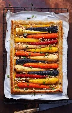 Hasselback Vegetable Tart // Talk about a show stopper. Carrots come in al Vegan Hasselback Vegetable Tart // Talk about a show stopper. Carrots come in al. -Vegan Hasselback Vegetable Tart // Talk about a show stopper. Carrots come in al. Easy Healthy Recipes, Easy Dinner Recipes, Holiday Recipes, Vegetarian Recipes, Easy Meals, Cooking Recipes, Christmas Recipes, Christmas Vegetable Recipes, Dinner Ideas