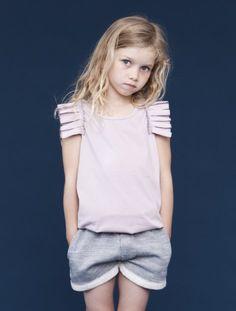 #cute. camiseta basica con aplique