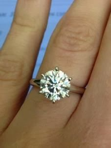 Round brilliant diamond solitaire engagement ring