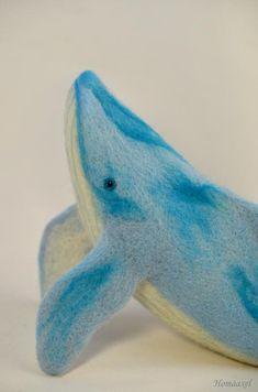 Blue whale. Needle felted by Krupennikova Oxana. Голубой кит акварельной раскраски. Сухое валяние. Крупенникова Оксана.