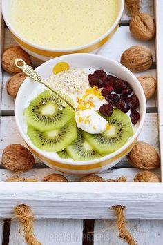 Co Na Śniadanie do Pracy? TOP 15 Pysznych Przepisów na Pożywne Śniadanie Pudełkowe - Strona 3 z 3 Acai Bowl, Lunch Box, Food And Drink, Breakfast, Fitness, Smoothie, Foods, Diet, Acai Berry Bowl