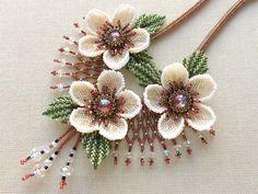 クリスマスローズのビーズネックレス   -   Christmas Rose of beads necklace