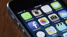 Zuckerberg ha detto che i nuovi posti saranno aggiunti ai 4.500 già esistenti con l'idea di aiutare i milioni di rapporti di controllo che ricevono ogni settimana