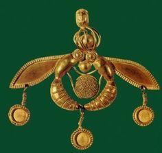 Ciondolo con api d'oro, XVII-XVI sec. a. C.(periodo neopalaziale), dalla necropoli di Mallia. Heraklion, Museo Archeologico