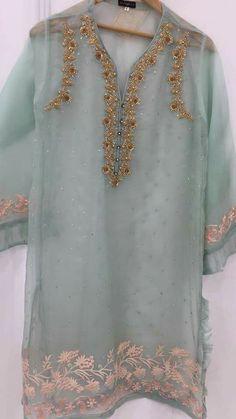 Pakistani Dresses Casual, Pakistani Wedding Outfits, Pakistani Dress Design, Bridal Outfits, Indian Dresses, Indian Outfits, Fancy Dress Design, Dinner Wear, Indian Designer Suits