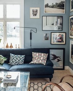 Navy Couch, Guest Room Office, Blue Wallpapers, Decoration, Sweet Home, Gallery Wall, Lounge, Sofa, Living Room