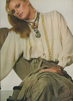 Patti Hansen for Vogue UK, August 1977. Photo by Irving Penn.