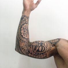 "669 Likes, 9 Comments - Gustavo Teixeira Franzoni (@guteixeiratattoo) on Instagram: ""Braço finalizado. #maoritattoo #maori #polynesian #tatuagemmaori #tattoomaori #polynesiantattoos…"""