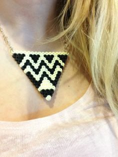 Collier en perles Hama : http://www.hellocoton.fr/to/xxUy#http://prettylittletruth.com/2013/05/13/diy-le-collier-azteque/