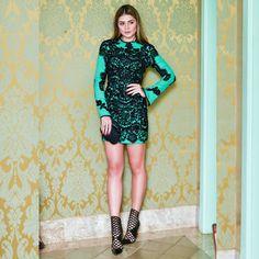 E o look todo que tem um bordado escandaloso!  | O vestido é @skazioficial e o sapato @louboutinworld | Que tal?! Gostaram?! by thassianaves
