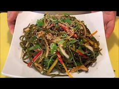 채소국물(채수)&다시마무침[veggie broth/kelp salad]-CalBap#69 - YouTube Korean Food, Japchae, Ethnic Recipes, Korean Cuisine, South Korean Food